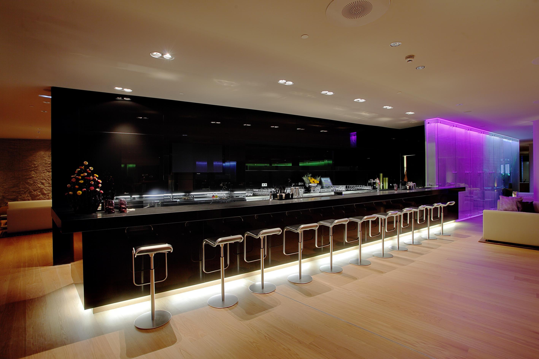 Eclipse bar escaparate del dise o for Hotel barcelona diseno