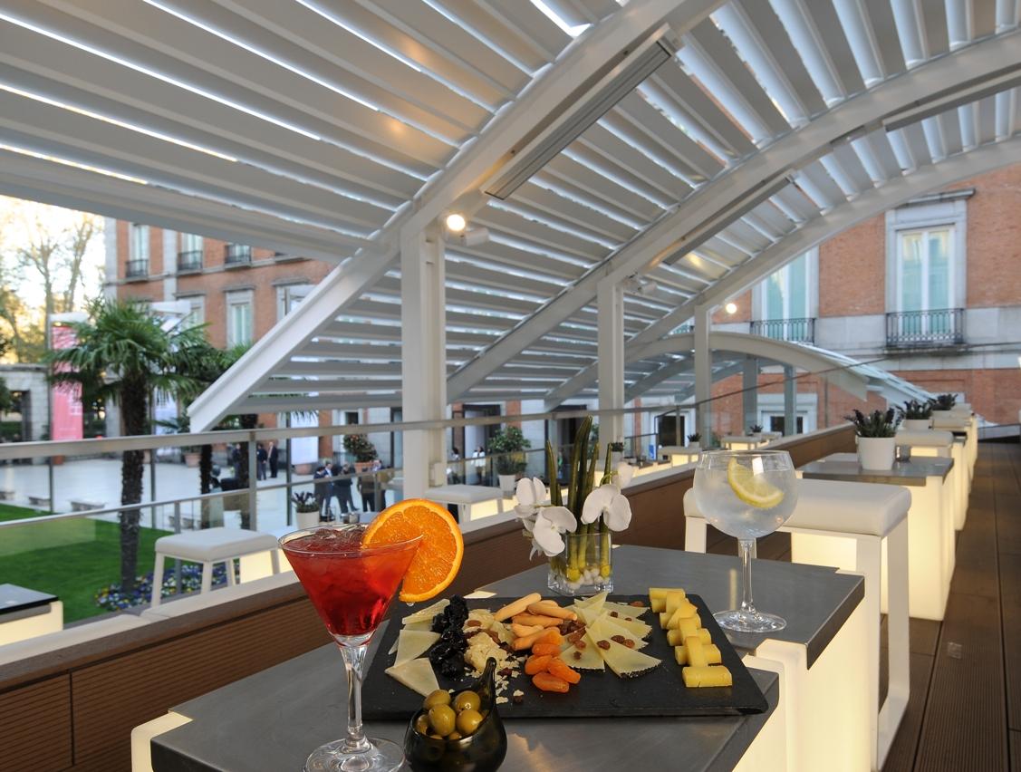 Las terrazas del thyssen arte y dise o escaparate del for Restaurantes con terraza madrid