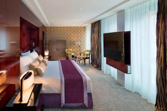 02 Royal Mandarin Suite Bedroom 2