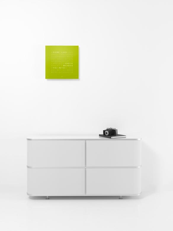Qlocktwo W Q2C_lime_juice_board_ES_screen