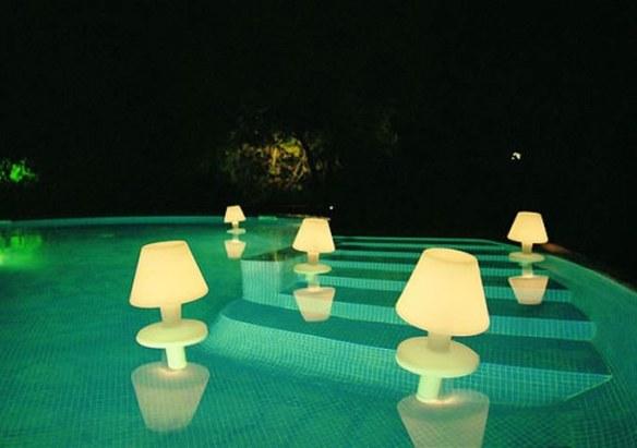 iluminacion_piscina_espool_lamparas_flotantes