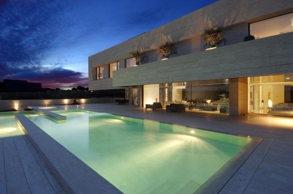 iluminar piscinas